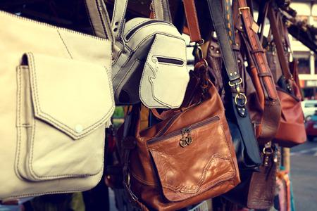 Photo pour Vintage leather bags fashion in market - image libre de droit