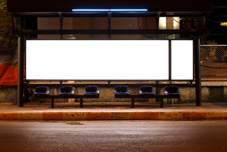 Photo pour blank of billboards at bus stop in night - image libre de droit