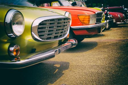 Photo pour Classic cars in a row - vintage retro color effect style - image libre de droit