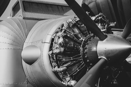Foto de Close up vintage aircraft engine and propeller. Black and White colour - Imagen libre de derechos