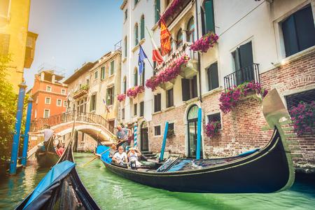 Photo pour Gondolas on canal in Venice, Italy - image libre de droit