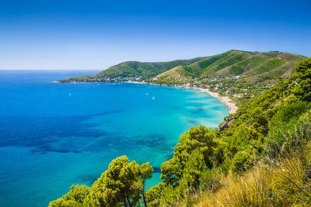 Foto de Panoramic view of beautiful coastal landscape at the Cilentan Coast, province of Salerno, Campania, southern Italy - Imagen libre de derechos
