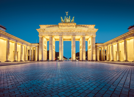 Photo pour Classic view of famous Brandenburg Gate, one of the best-known landmarks and national symbols of Germany - image libre de droit