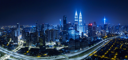 Photo pour Panorama aerial view in the middle of Kuala Lumpur cityscape skyline .Night scene . - image libre de droit
