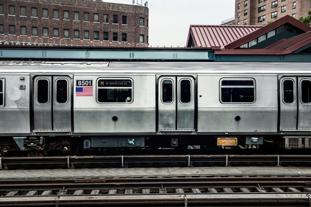 Photo pour Subway Train in New York - image libre de droit