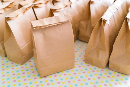 Foto de Brown paper bags on table - Imagen libre de derechos