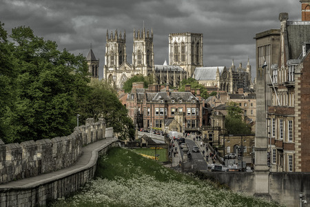 Photo pour YORK, ENGLAND - MAY 15:  Cathedral called York minster and historic walls in the centre of city on May 15, 2018 in York - image libre de droit