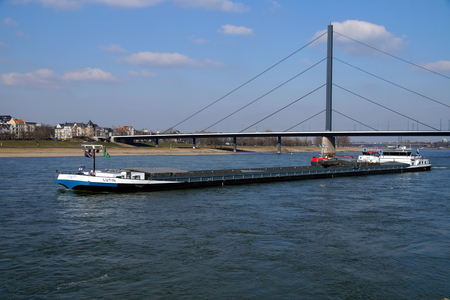 Foto per Dutch inland waterway motor freighter Lutin on the river Rhine, Dusseldorf. - Immagine Royalty Free