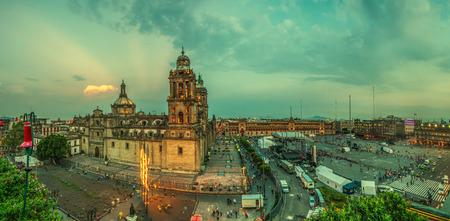 Foto de Zocalo square and Metropolitan cathedral of Mexico city - Imagen libre de derechos