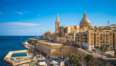 Photo pour View of Valletta, the capital of Malta - image libre de droit