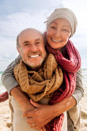 Photo pour hug two beloved older people enjoying time - image libre de droit
