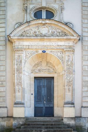 Photo pour The entry of the Architecture building in Bordeaux - image libre de droit
