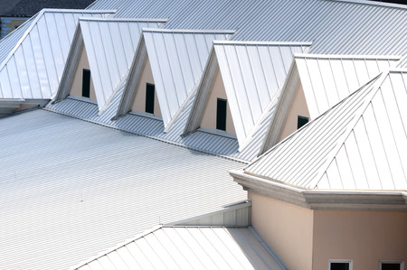Photo pour Unique triangle metal roof designed for maximum rain repulsion - image libre de droit