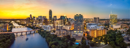 Foto de Austin Skyline in the evening and bluehour - Imagen libre de derechos