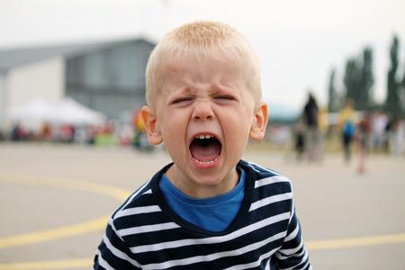 Foto de Boy is shouting - Imagen libre de derechos
