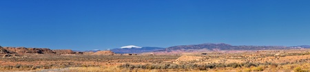 Photo pour Panorama Landscapes views from Road to Flaming Gorge National Recreation Area and Reservoir driving north from Vernal on US Highway 191, in the Uinta Basin Mountain Range of Utah United States, USA - image libre de droit