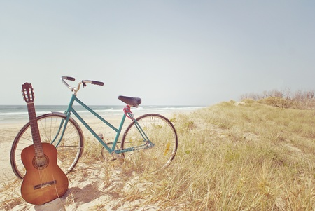 Photo pour A Guitar and a Bike - image libre de droit
