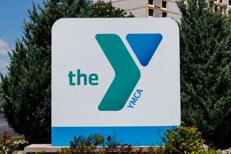 Foto de Ft. Wayne - Circa June 2018: Downtown YMCA. The YMCA works to bring social justice to young people and their communities I - Imagen libre de derechos