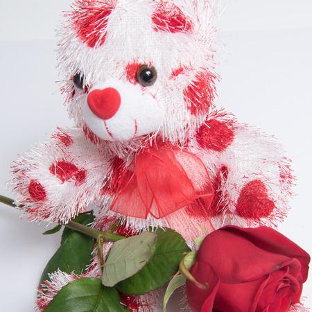 Photo pour Love Bear with hearts and rose - image libre de droit