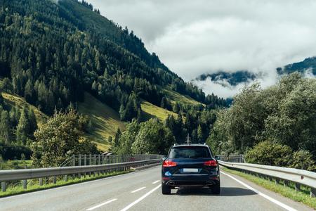 Photo pour Scenic view of road crossing Alps mountains - image libre de droit