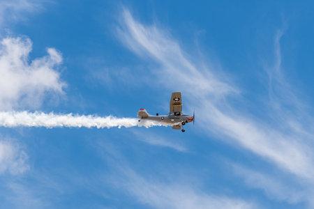 Photo pour Cessna L-19 Bird Dog aircraft during air show - image libre de droit