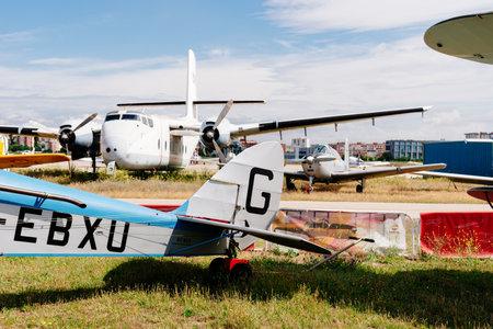 Photo pour De havilland DH-60 Moth Aircraft during air show - image libre de droit