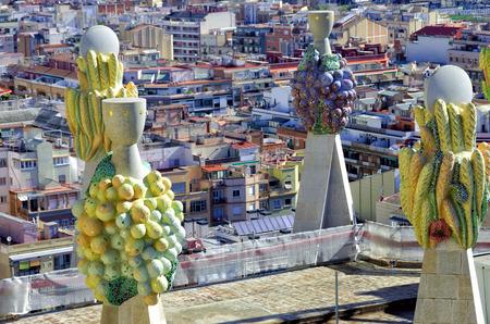 Foto de Sculptures on the roof of the Sagrada Familia cathedral in Barcelona, Spain. - Imagen libre de derechos