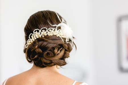 Foto de Woman hairstyle for her wedding day. - Imagen libre de derechos