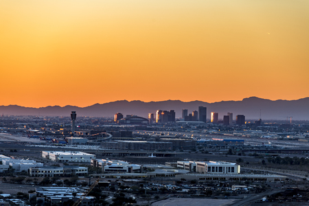 Foto de An overlook from atop Mountain Butte of sunset over downtown Phoenix Arizona   - Imagen libre de derechos