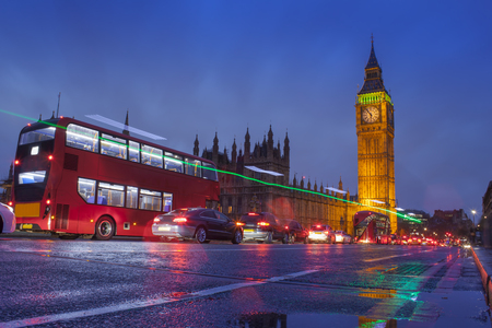 Foto de London city scene with Big Ben landmark - Imagen libre de derechos