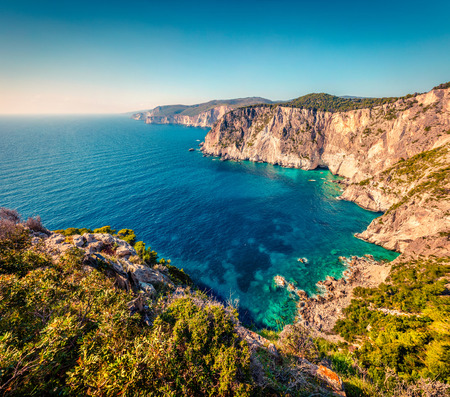 Photo pour Aerial spring view of high cliffs on the Ionian Sea. Sunny morning seascape of Zakynthos (Zante) island, Greece, Europe. - image libre de droit