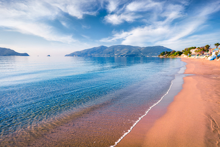 Photo pour Peaceful morning view of beach of Zakynthos (Zante) island. Sunny spring seascape of the Ionian Sea, Greece, Europe. - image libre de droit