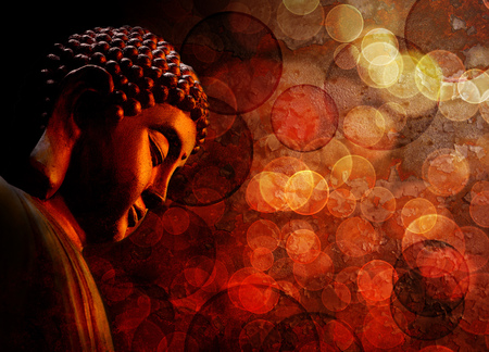 Foto de Bronze Zen Buddha Statue Meditating with Blurred Textured Red Background - Imagen libre de derechos