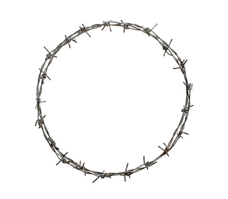 Foto de Barbed wire circle isolated on white background - Imagen libre de derechos