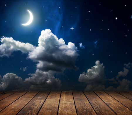 Photo pour night sky with stars and moon and clouds - image libre de droit