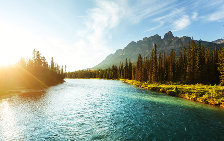 Photo pour Castle Mountain in Banff National Park, Canada. - image libre de droit