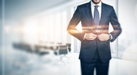 Photo pour Businessman in contemporary office - image libre de droit