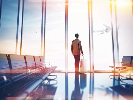 Foto de Businessman at airport - Imagen libre de derechos