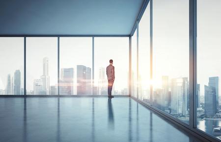 Foto de Businessman in contemporary office - Imagen libre de derechos