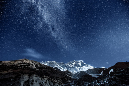 Photo pour himalaya mountain with star in night time - image libre de droit