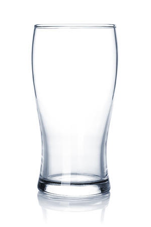 Photo pour Empty beer glass. Isolated on white background - image libre de droit