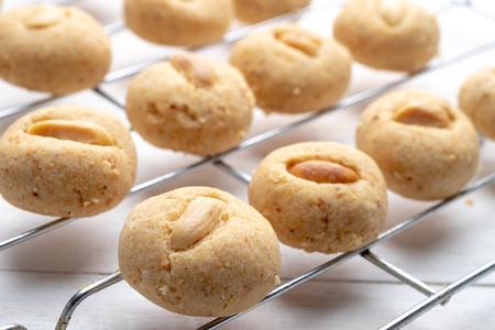 Photo pour Homemade peanut butter cookies - image libre de droit