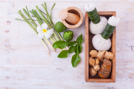 Photo pour Natural Spa Ingredients . The herbal compress ball and massage oil for spa treatment. - image libre de droit