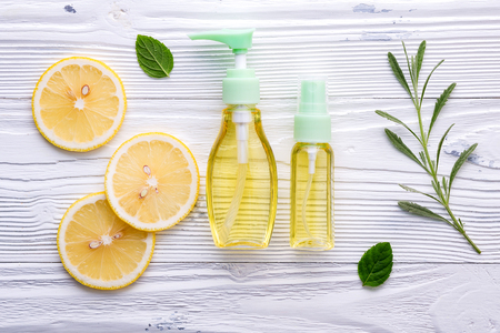 Photo pour Natural herbal skin care products. - image libre de droit