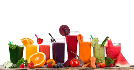 Photo pour Fresh juice mix fruit, healthy drinks on wooden table. - image libre de droit