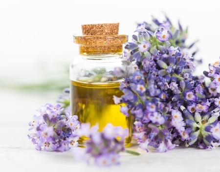 Photo pour Lavender flowers with essential oil, close-up. - image libre de droit