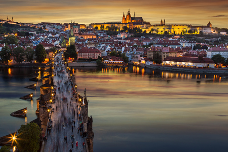 Photo pour Prague Castle after sunset. Europe, Czech republic. - image libre de droit