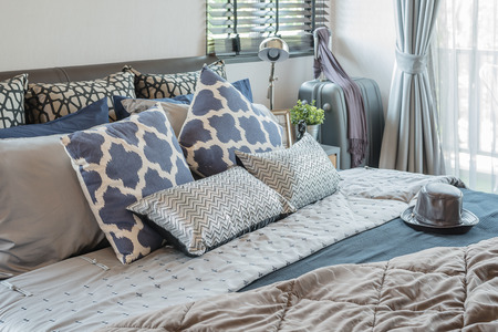 Photo pour luxury bedroom with pillows on bed at home - image libre de droit