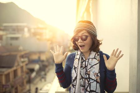 Foto de face of younger asian woman suprising face - Imagen libre de derechos