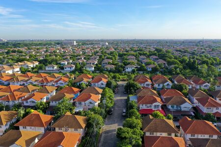 Foto de aerial view of beautiful home village and town settlement - Imagen libre de derechos